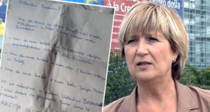 ŠOK NA STRANAČKOM SKUPU: Ružu Tomašić u Lisinskom dočekala prijeteća poruka u buketu cvijeća